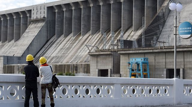 Chine: un barrage pharaonique en construction