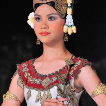 Spectacle de danse traditionnelle, Siem Reap, Cambodge